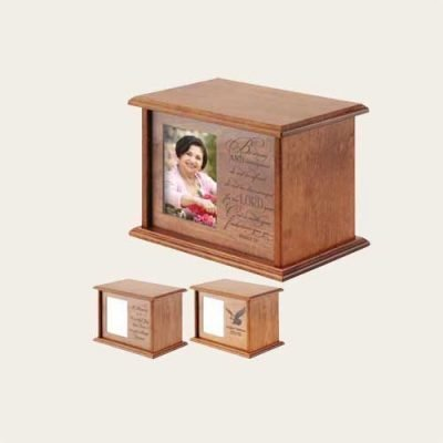 Elegant wood Expression 4x6 Photo Cherry Urn